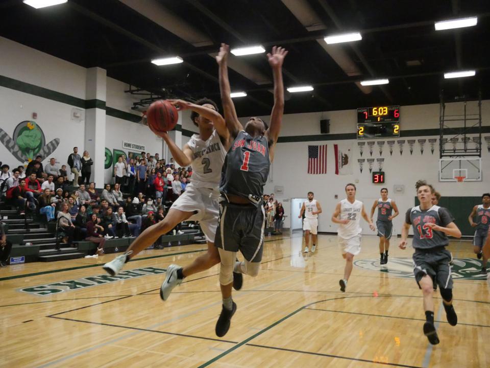Boys basketball: Hawks getting into rhythm