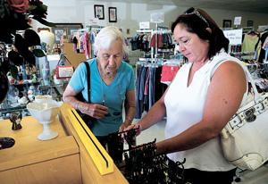'Recession-proof' stores cashing in
