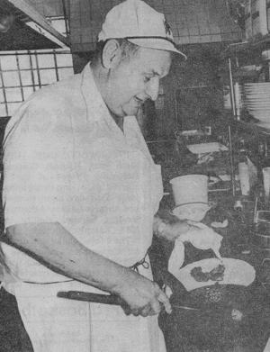 Leon Croce, owner of popular restaurant, dies at 90