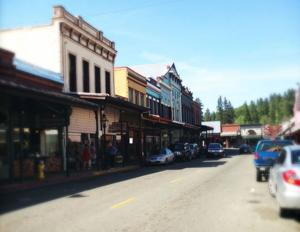 Browse through unique gifts while sipping wine in Downtown Grass Valley