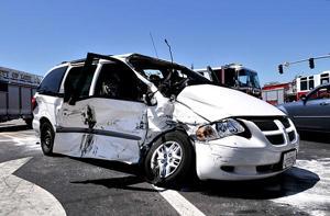 Seven people avoid major injuries in crash