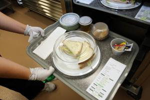 Lodi Memorial Hospital pampers patients with restaurant-style meals