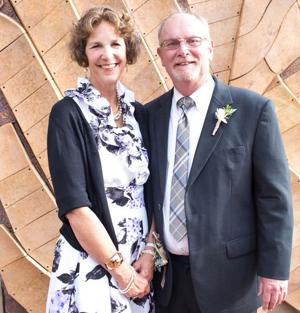 Doug and Carole Seed celebrated 40th wedding anniversary in San Diego