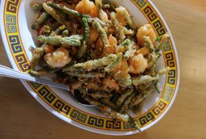 Stockton man serves Chinese street food on Lodi Avenue