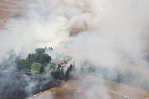 Grass fire in Clements