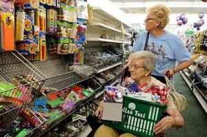 Dollar Tree brings deals to Lakewood Mall