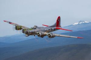 World War II-era bomber lands in Sacramento