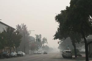 Camp Fire smoke triggers unhealthy air warning for Lodi area
