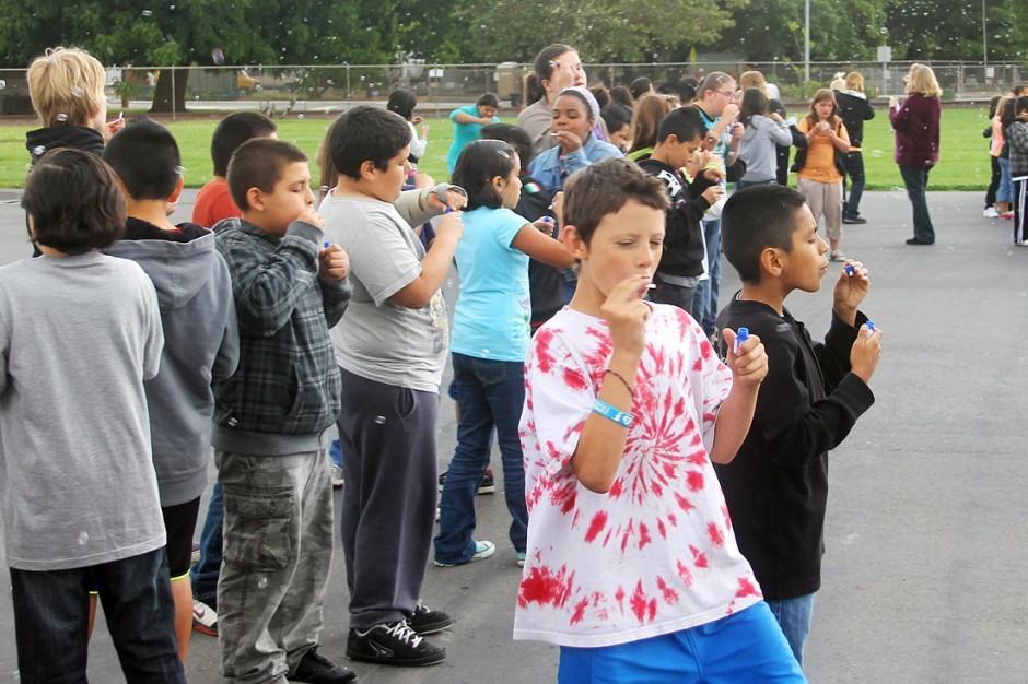 Woodbridge Elementary School students join effort to break Guinness World Record
