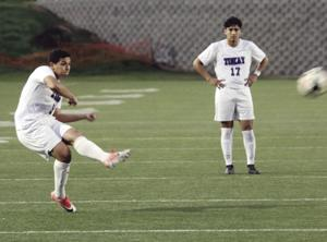 Boys soccer: Tigers capture TCAL title again