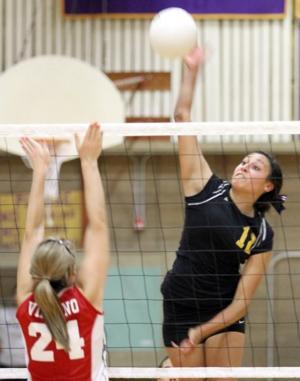 Nicole Buzo, Arianna Brusa lead Tokay Tigers over Galt Warriors in volleyball