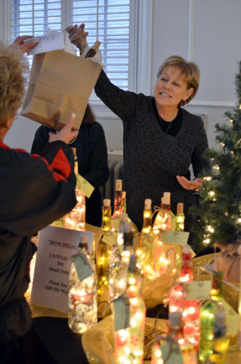 Lodi Woman's Club hosts Christmas Boutique