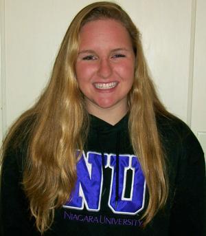 Lodi's Lori Scheideman chooses Niagra University's family feel