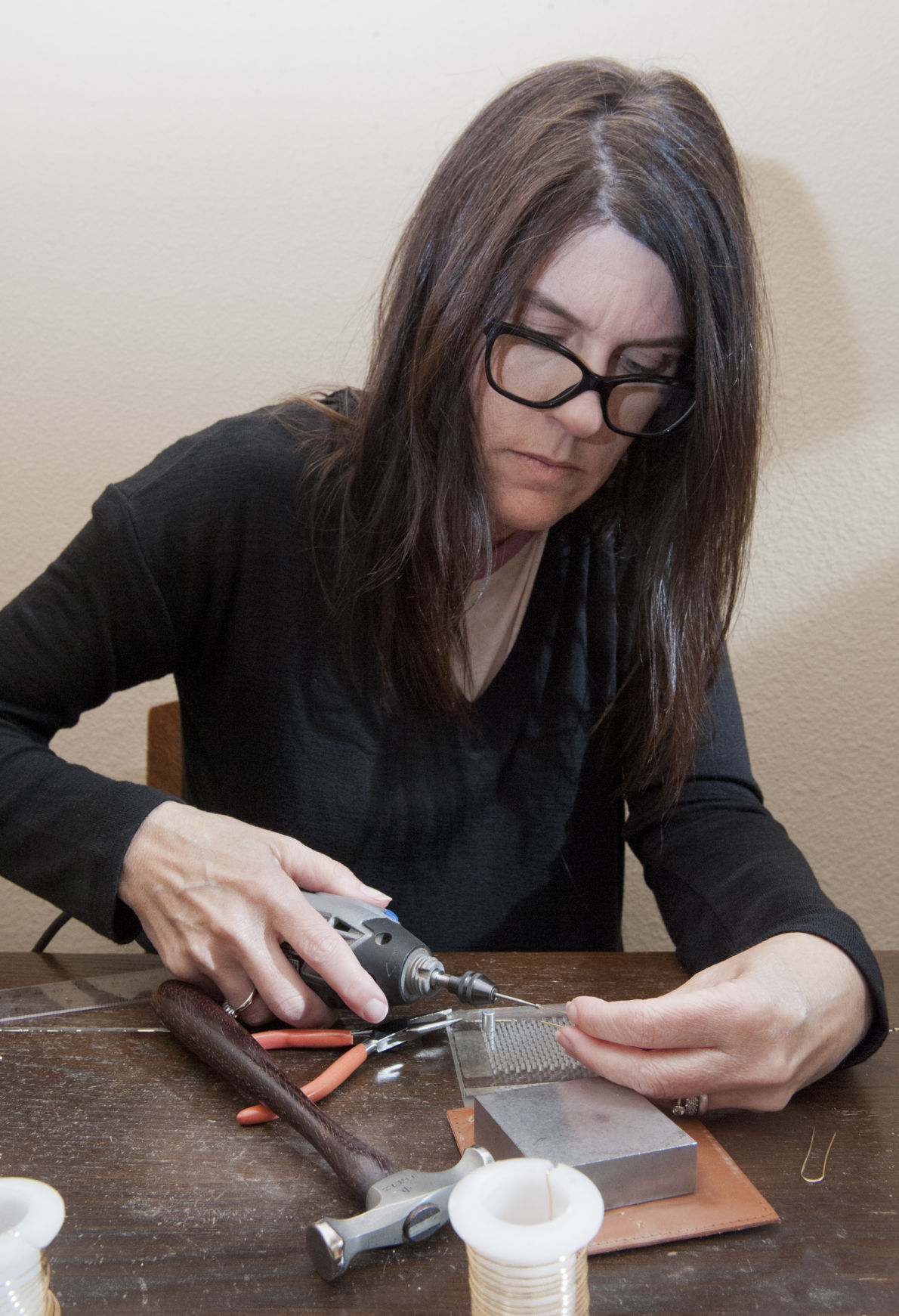From brick-and-mortar to cyberspace: Local jeweler dishes the details