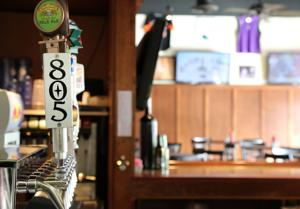 Shep's: Spicy hot wings, icy drinks at Downtown Lodi sports bar