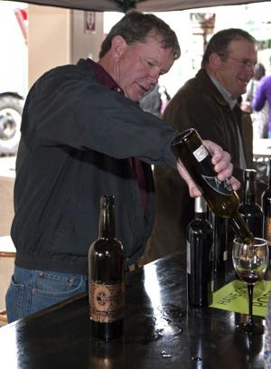 Lodi Spring Wine Show draws hundreds to taste area's best vintages, gourmet treats