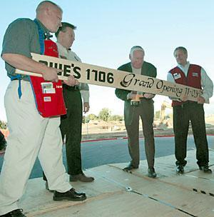 143,000-square-foot Lowe's in Lodi ready for debut