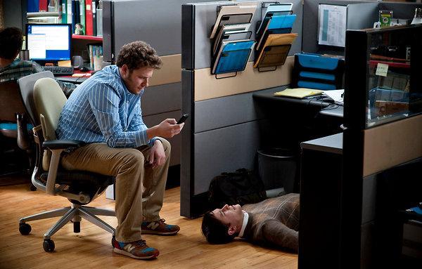 Joseph Gordon-Levitt makes '50/50' more than disease movie-of-the-week