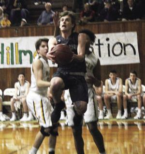 State boys basketball playoffs: Clutch shots help Hawks
