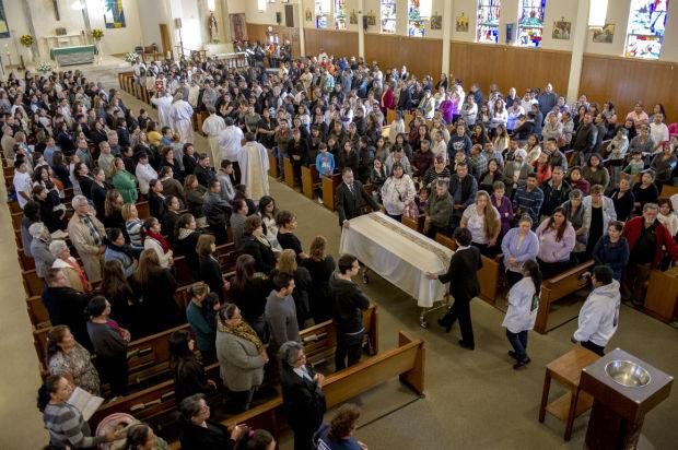 Hundreds pay final respects at Miranda funeral
