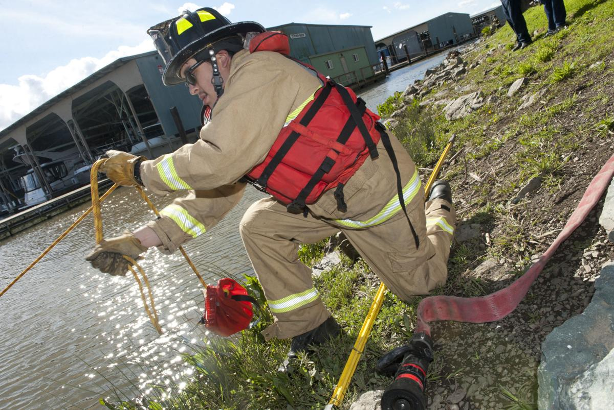 Sheriff's deputies, S.J. fire units train at Tower Park Marina