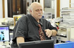 Ross Farrow, News-Sentinel reporter, dies at 62