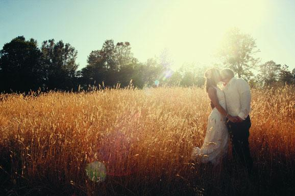 Use simple tips when choosing the photographer for your wedding