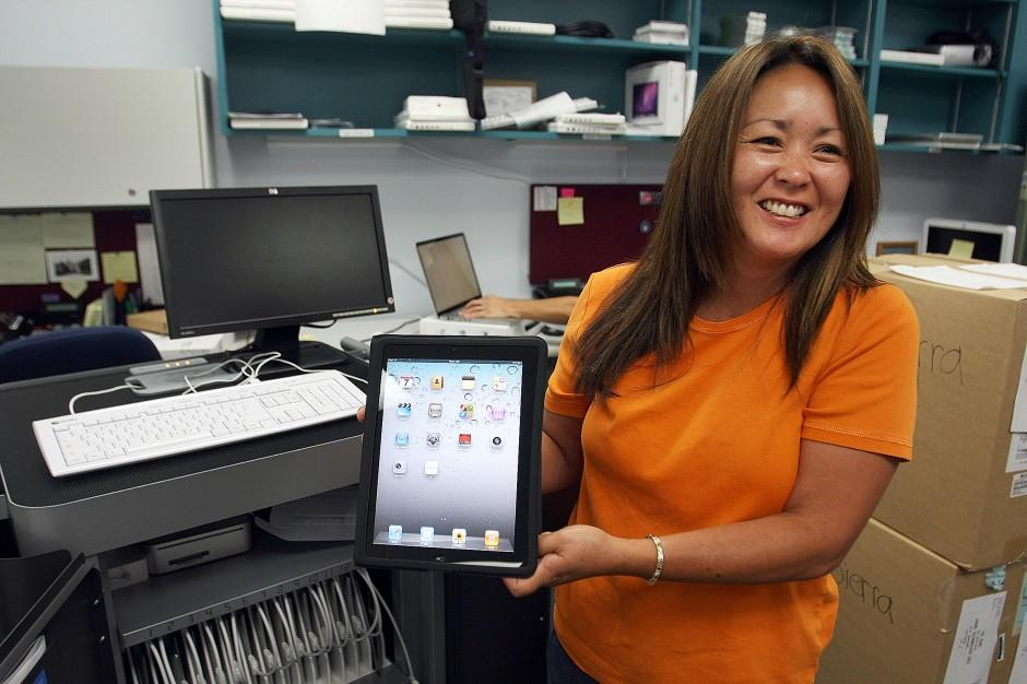 Pilot program brings iPads into Lodi Unified School District classrooms