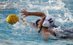 Division II water polo playoffs: Tigers' defense quiets Thunder
