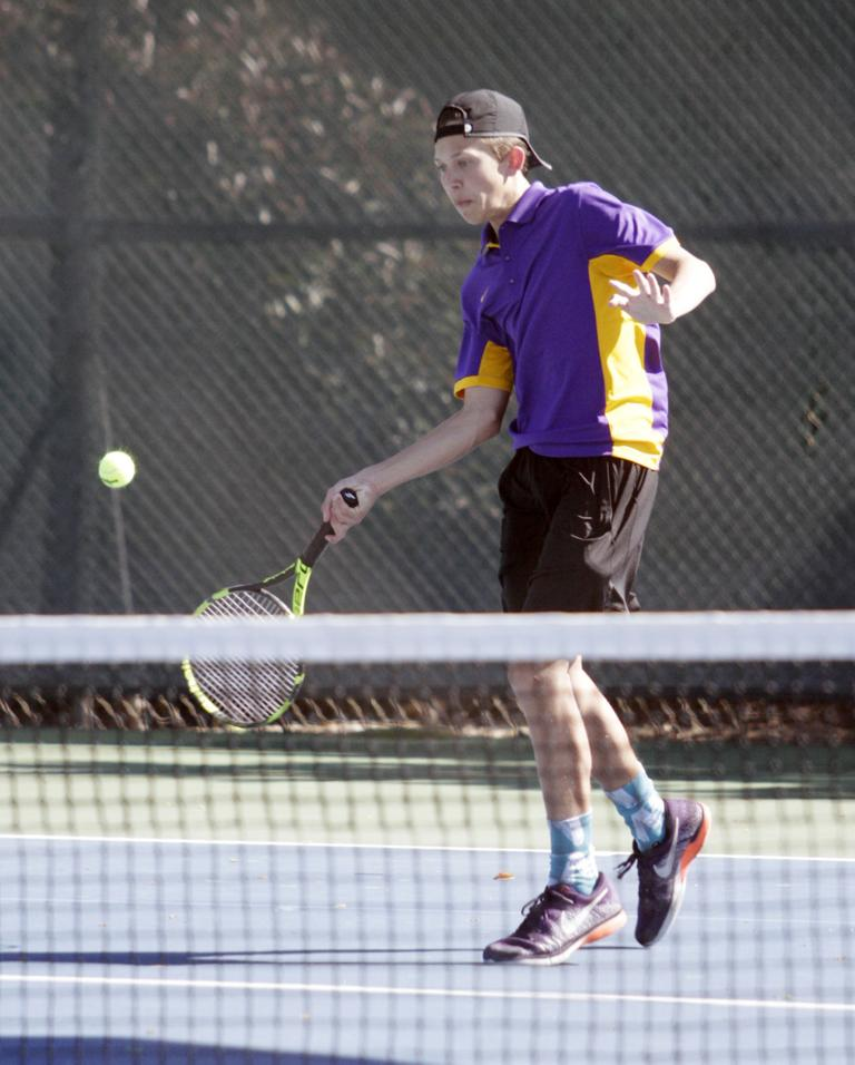 Boys tennis: Flames ace Tigers, on pace for playoffs