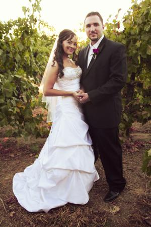 Beto Garcia, Mia Nino marry at Harmony Wynelands