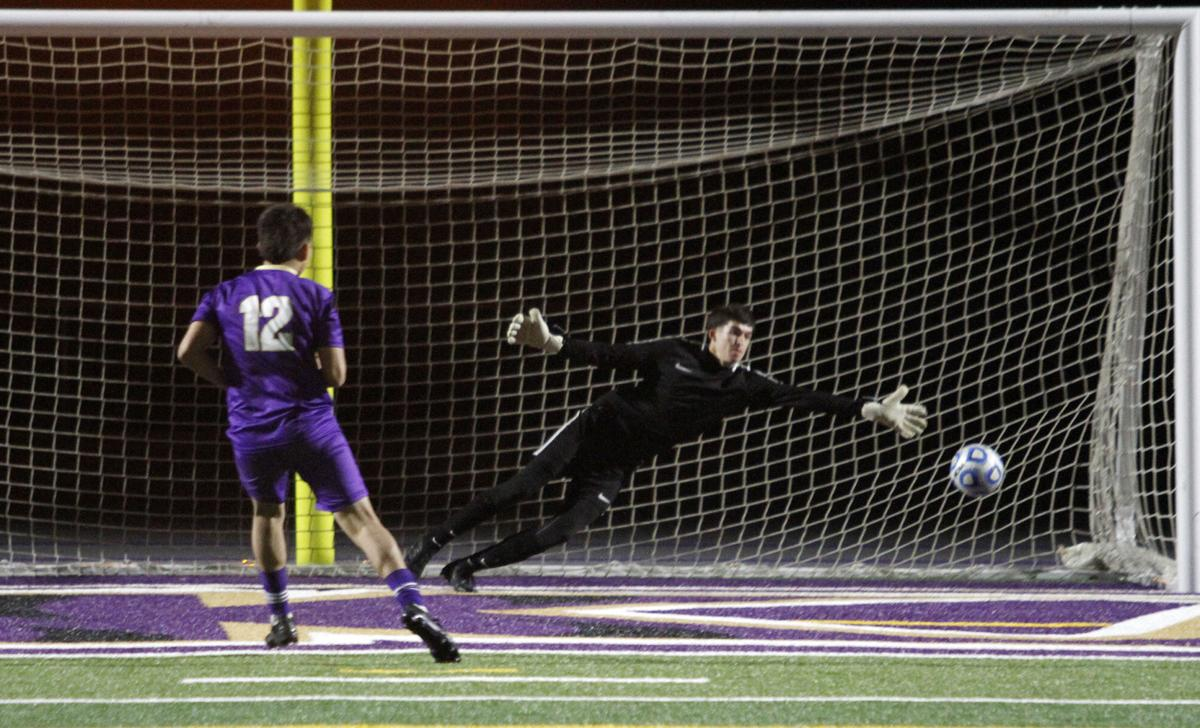 Boys soccer playoffs: Tigers advance after tight shootout victory over Davis