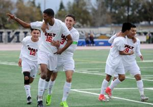 SJS Division IV boys soccer championship: A banner day for Lopez and Galt