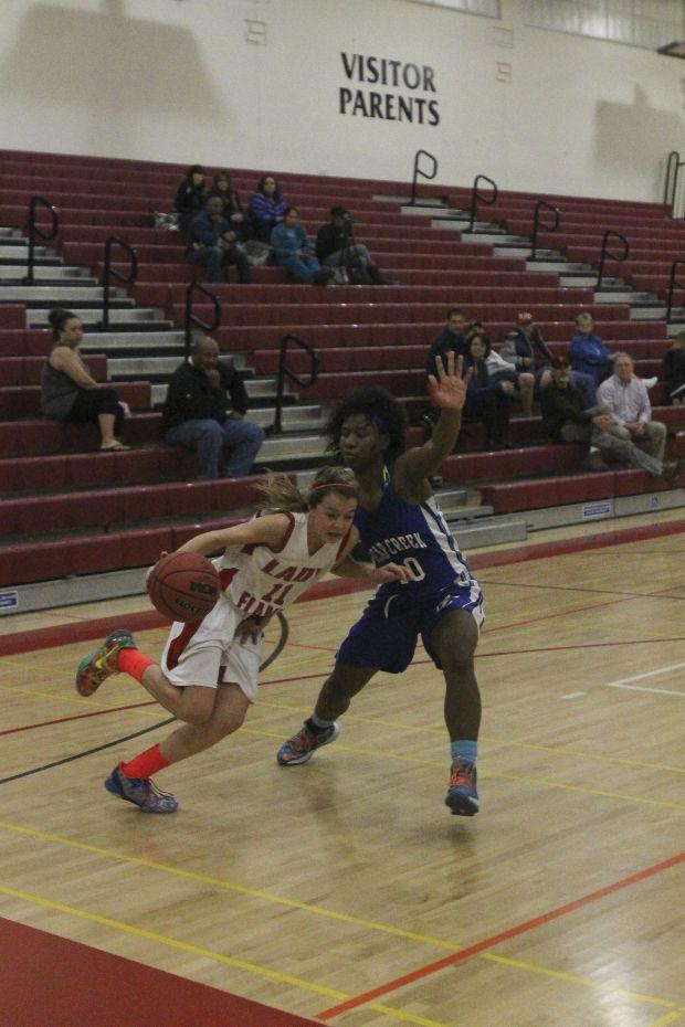 Chandler carries Titans past Pumas