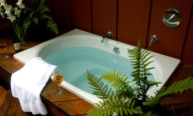 Wine, cookies and soaking tubs — bed and breakfasts offer relaxation, elegance