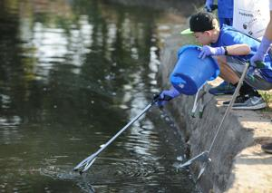Almost 300 turn out for 15th annual Lodi Lake cleanup