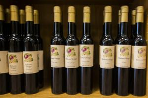 New Downtown shop sells flavored olive oil, vinegar