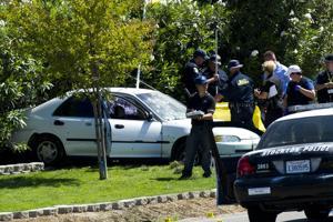 Police shoot, kill escapee following pursuit through Lodi, Stockton,Acampo