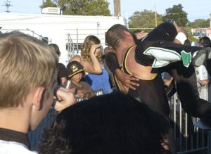 Ready to rumble: Wrestlers rock the ring during final day of the Lodi Grape Festival