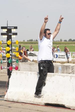Drag racing draws crowds at Kingdon Airport