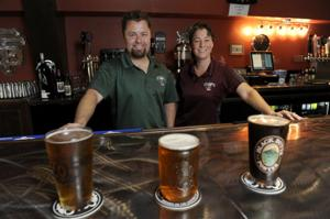 Porters Pub: Family duo serves burgers, sandwiches, salads, craft beer