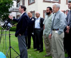 Muslims meet with mayor