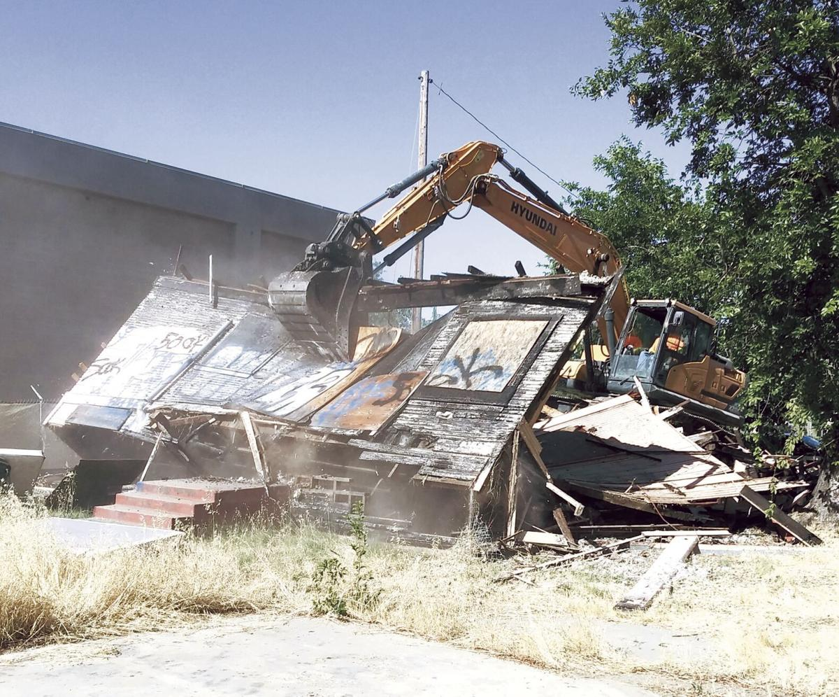 Old Lodi home that stood vacant, unrepaired for years torn down