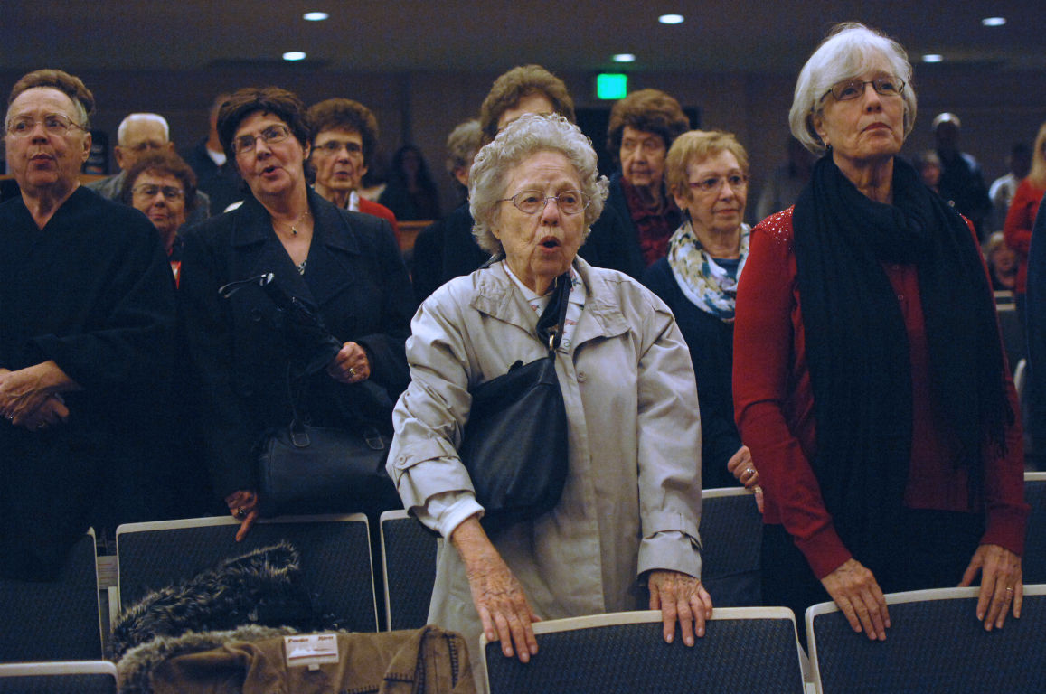 Lodi joins in old-fashioned Christmas Hymn Sing