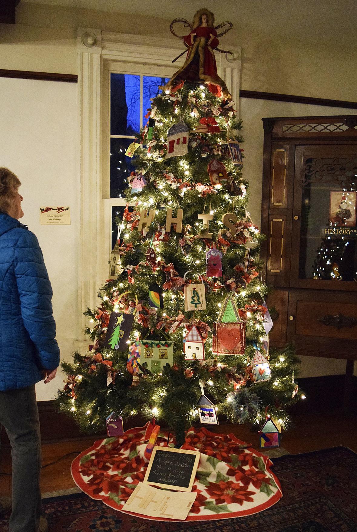 Hocking Hills Inspire Shelter Christmas tree