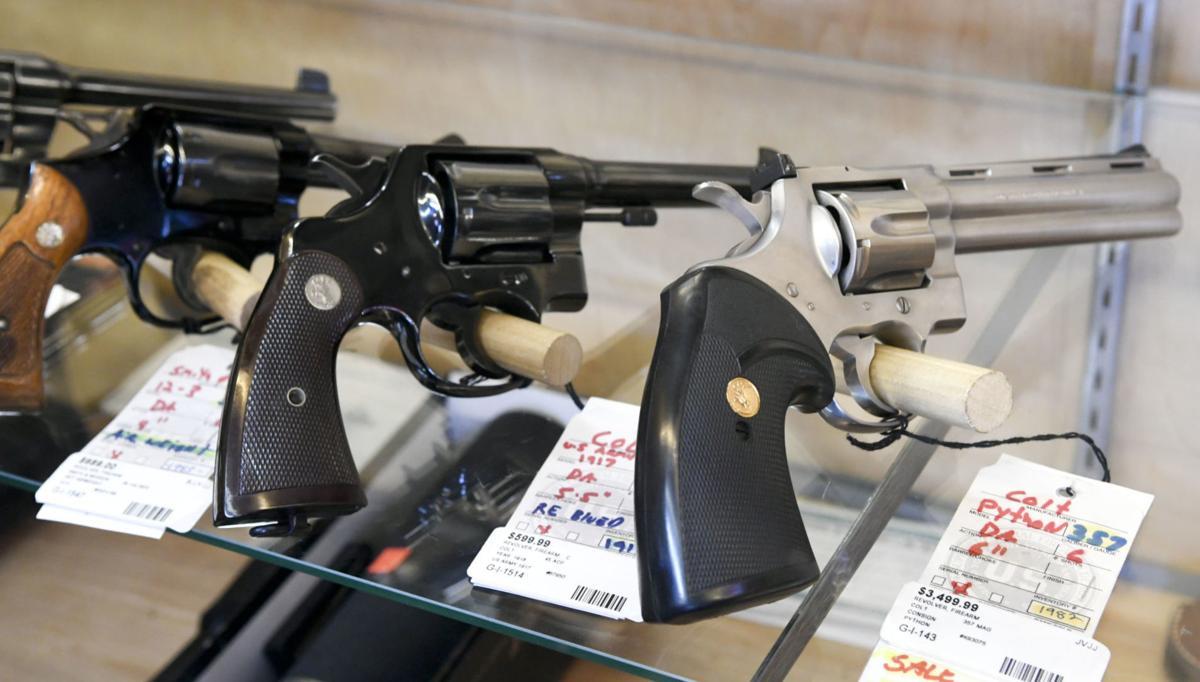 040120 Gun sales 02.jpg