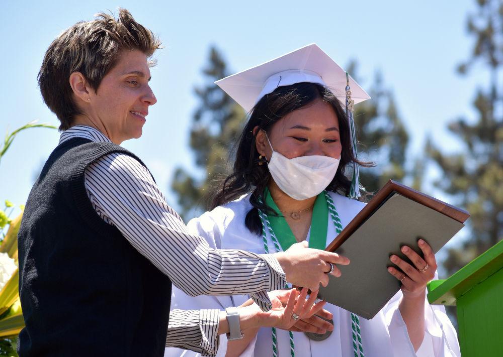 060921-smt-news-sjhs-graduation-002