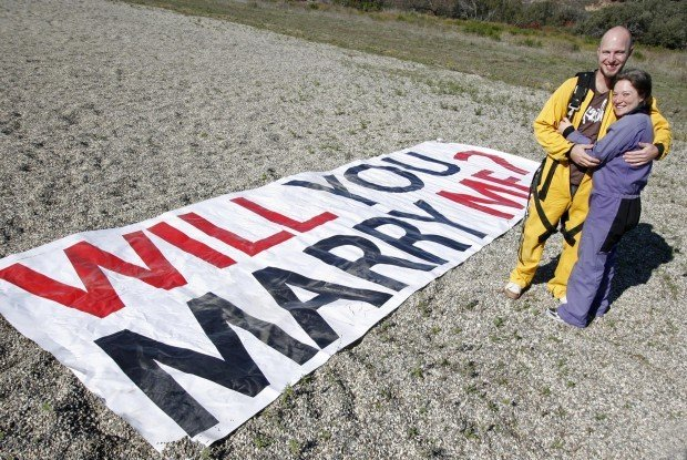 Skydive Ends In Marriage Proposal Local News Lompocrecord