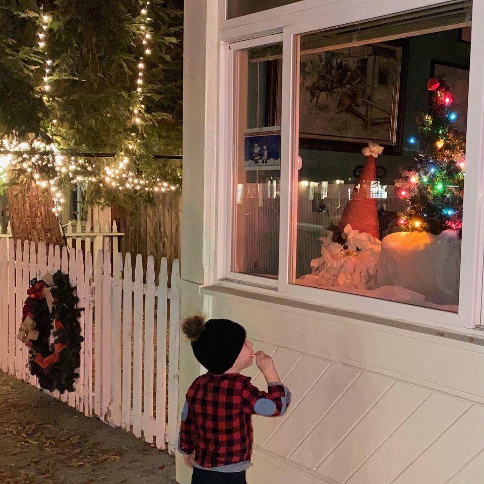 120820 SY Chamber Christmas Tree Lighting 2
