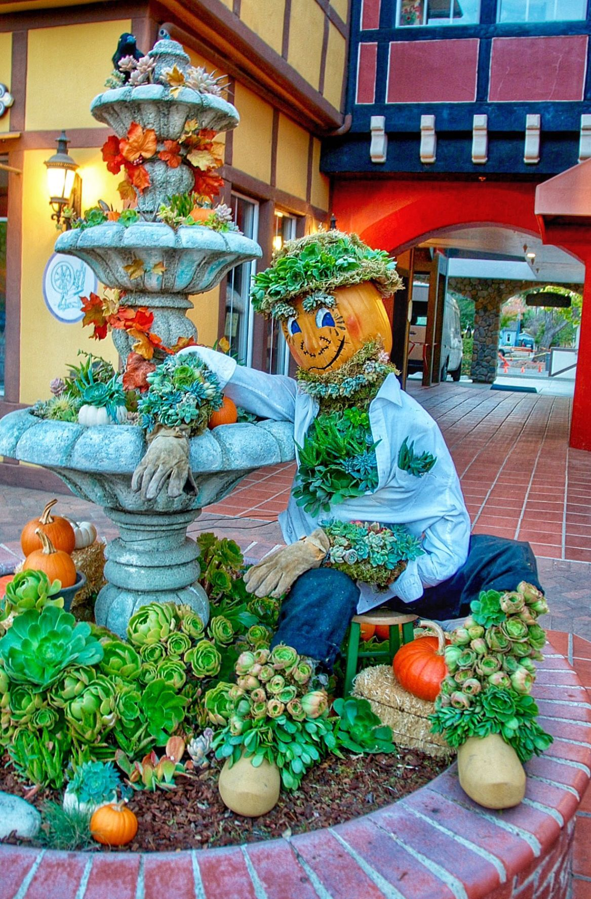 2016 Scarecrow winners - Home Connection